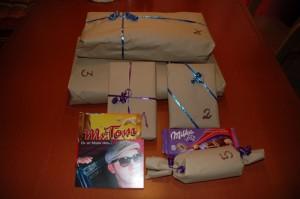 Die Geschenke noch verpackt